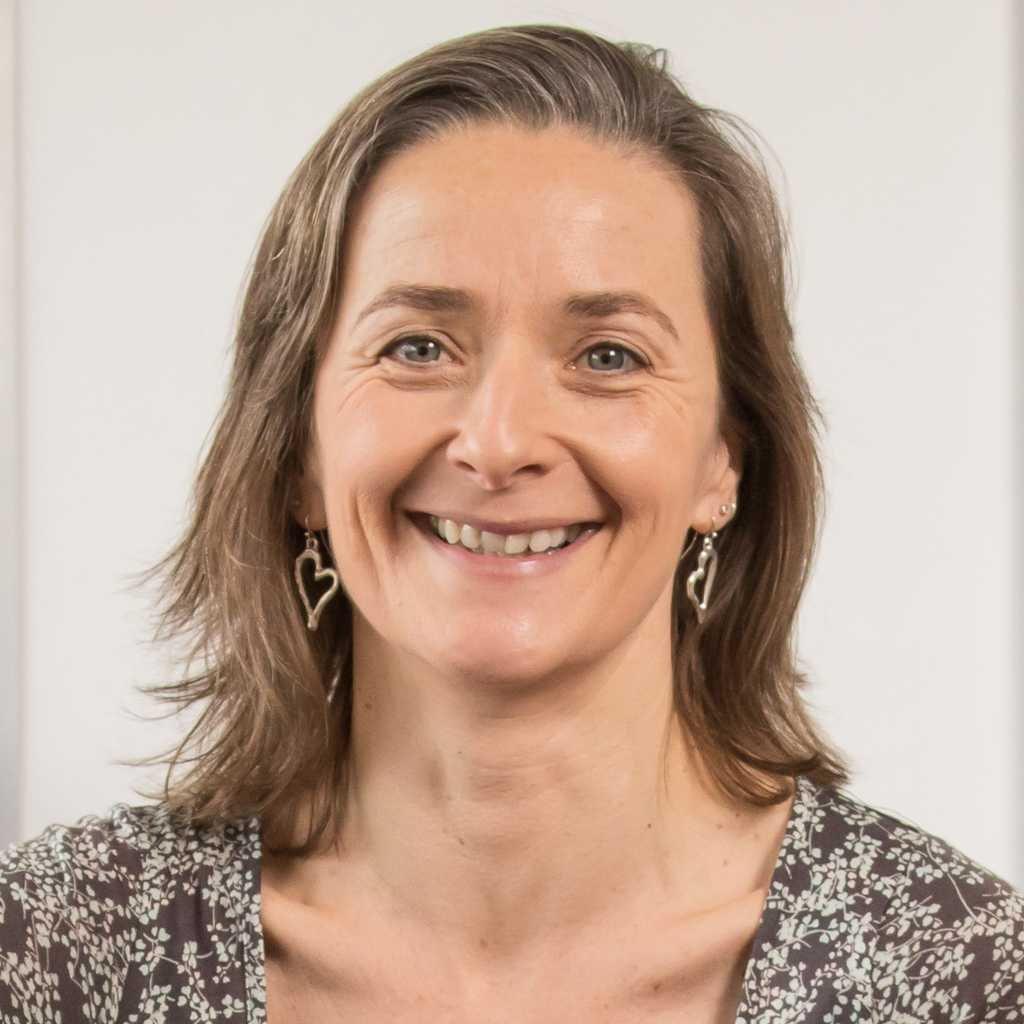 Niamh Daly Yin yoga teacher