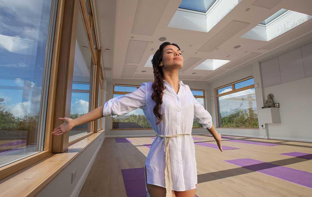 Yoga-Studio-Sept-girl-breathe-04